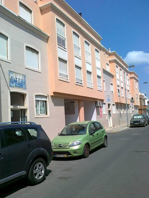 Front view of the street layout of the apartment
