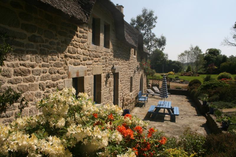The owner's cottage in the hamlet of Le Helleguy