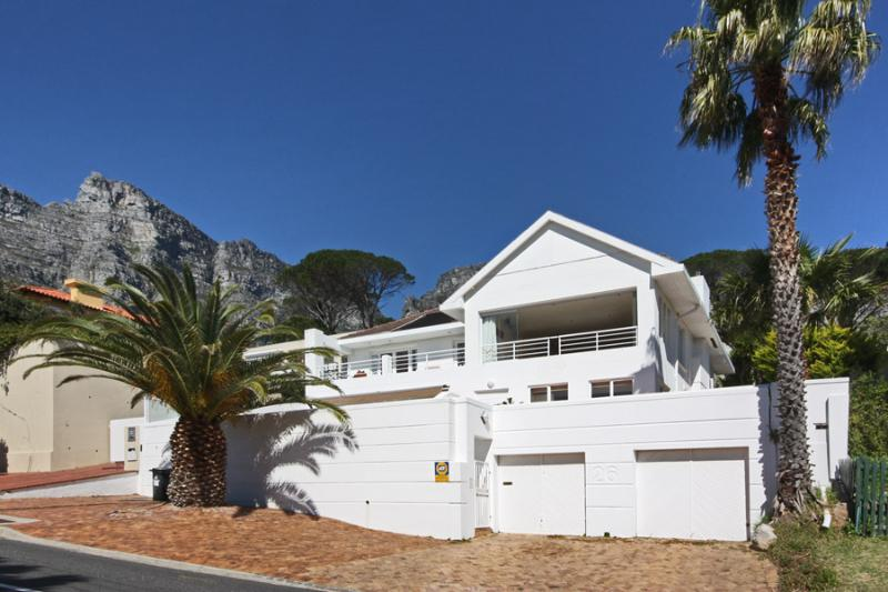 Magnificent Contemporary Camps Bay Villa - Atlantic Six, holiday rental in Cape Town