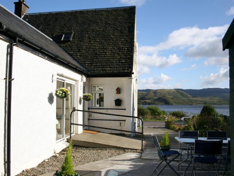 Lochside Cottage, casa vacanza a Strachur