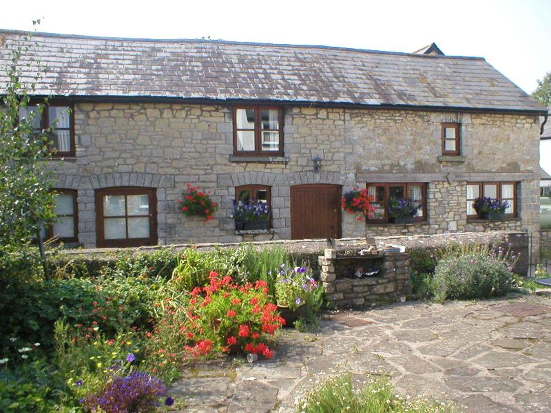 The Old Barn Bed and Breakfast, vacation rental in Llantwit Major