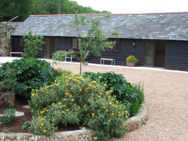 1 Mill Cottages, rural self catering cottage, holiday rental in Brabourne