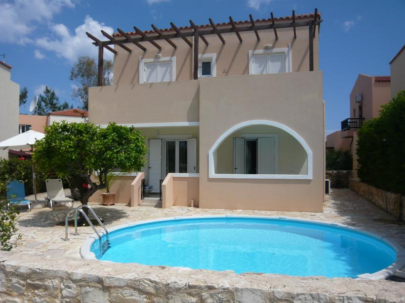 Beautiful detached villa with private swimming pool