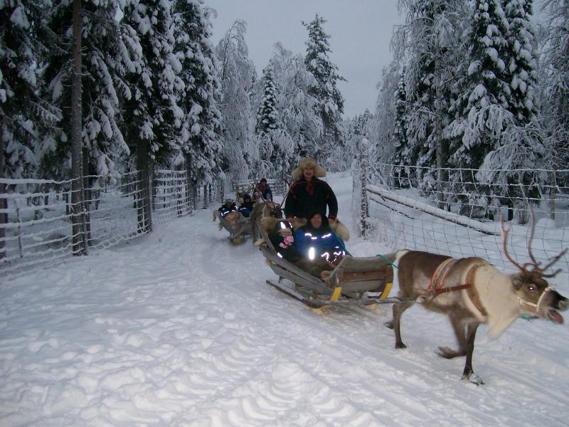 2009 Kinder in Not - Lappland Trip - Rentiersafari auf Samis