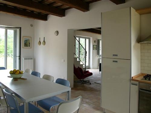 Kitchen - plenty of room around the table