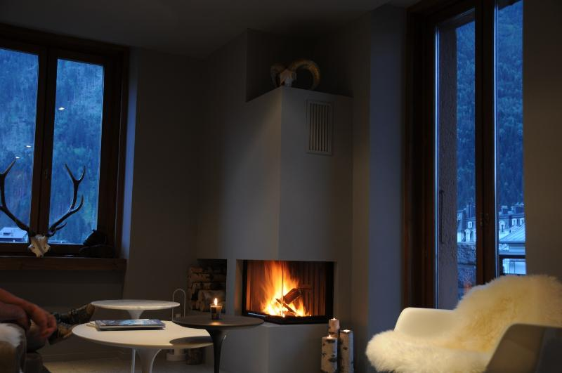 Living room, fire place, balcony facing Mont Blanc