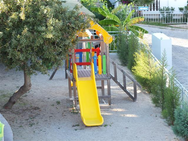 the play ground is near the restaurant terrace so mums and dads can enjoy a drink