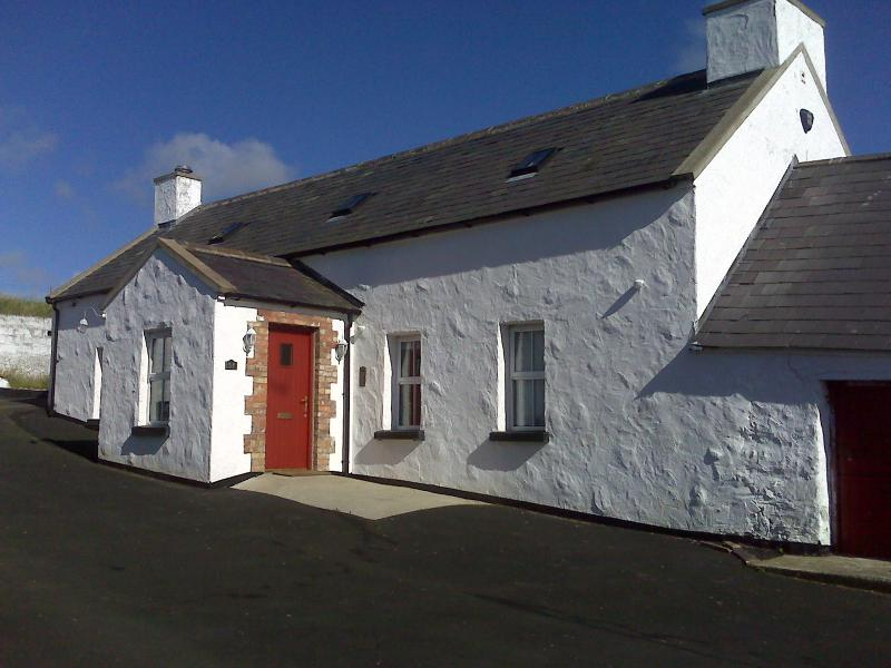 The Huston Farmhouse Portrush, rural retreat with beaches and restaurants 3 miles away.