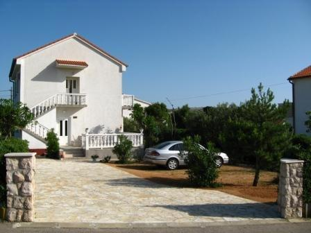 Ane Apartment ***, holiday rental in Rab Island