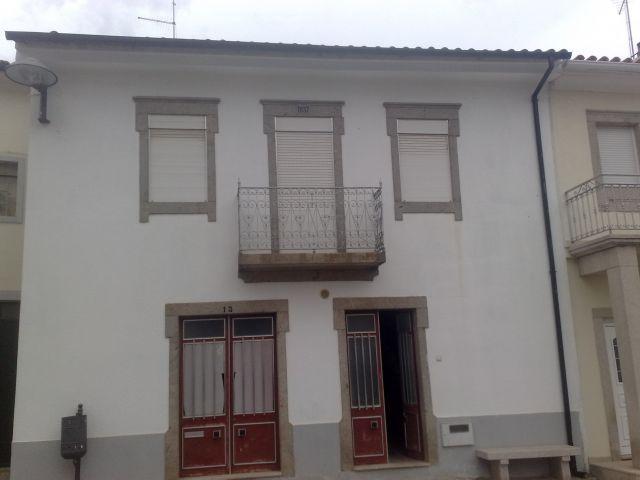 CASA LARGO DE LA IGLESIA, holiday rental in Urros