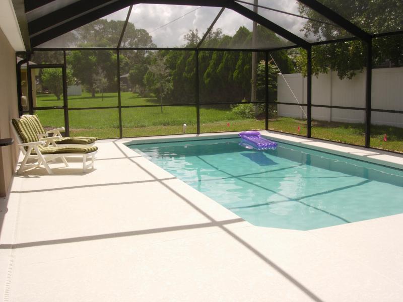 15'x28' Heated Pool