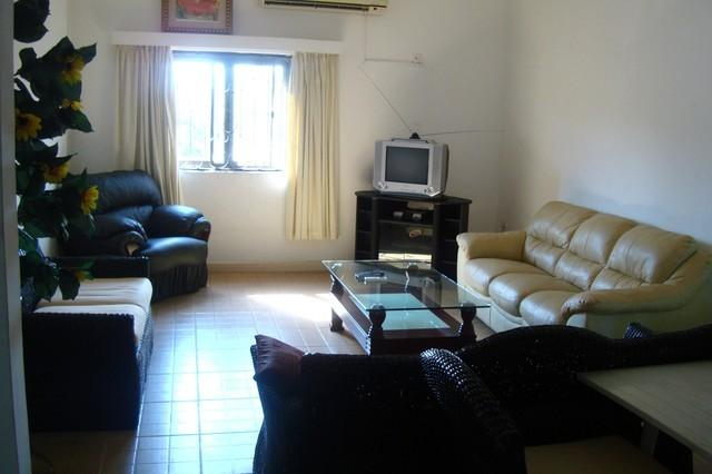 T. N. Hospitality Self Catering Budget Apt (2-BRM Upstairs), vacation rental in Achimota
