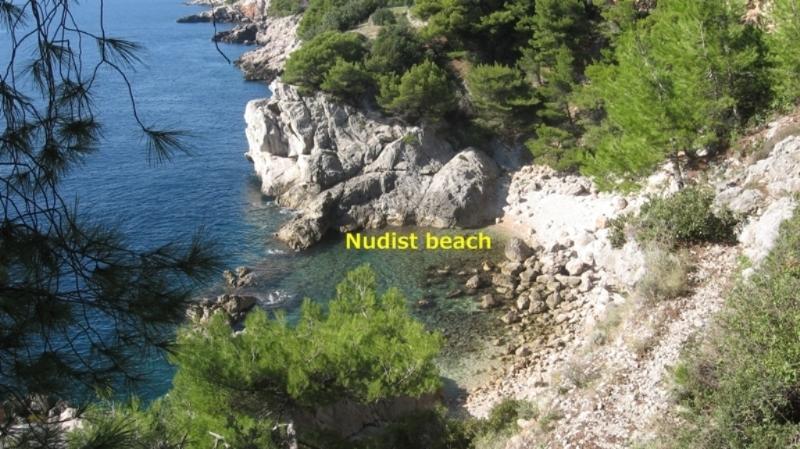 Playa nudista en Zaton
