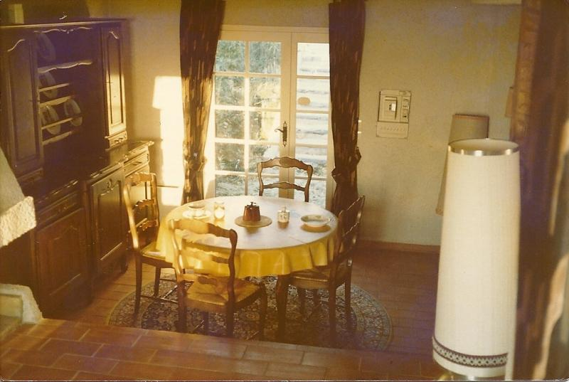 Dining area with dining table and chairs