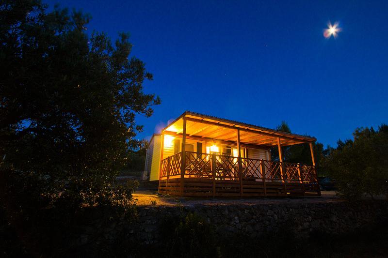 Bluebay Croatia Luxury Mobile Home Bobo, alquiler de vacaciones en Jezera