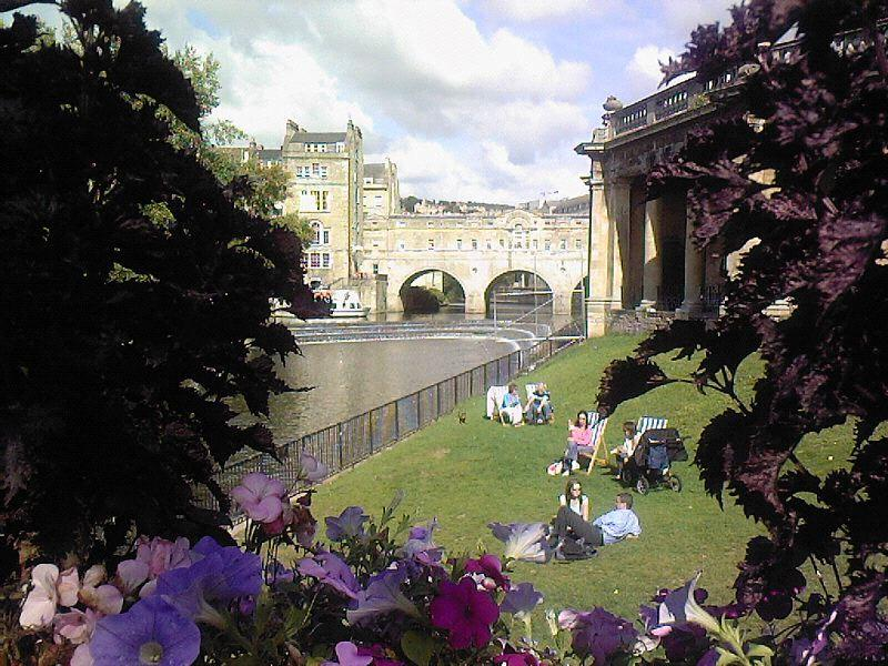Parade Gardens and view to Pulteney Bridge