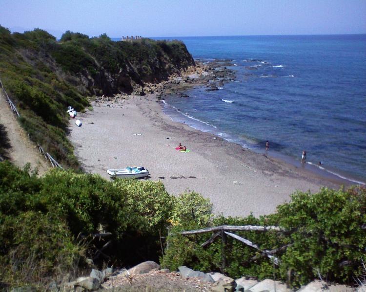 pequena praia reservada para os hóspedes da residência