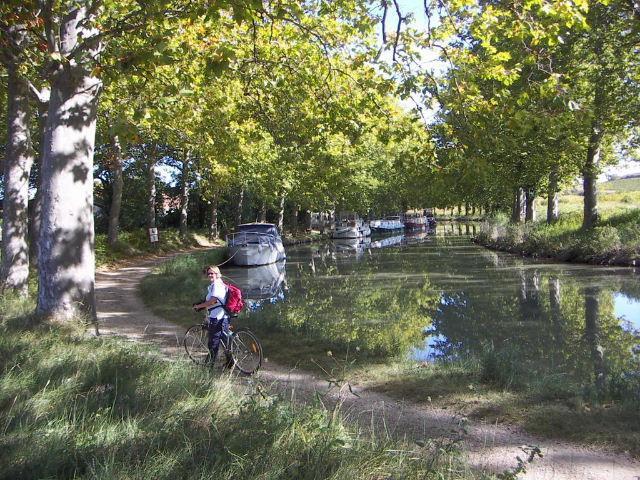 Cycling on Canal du Midi