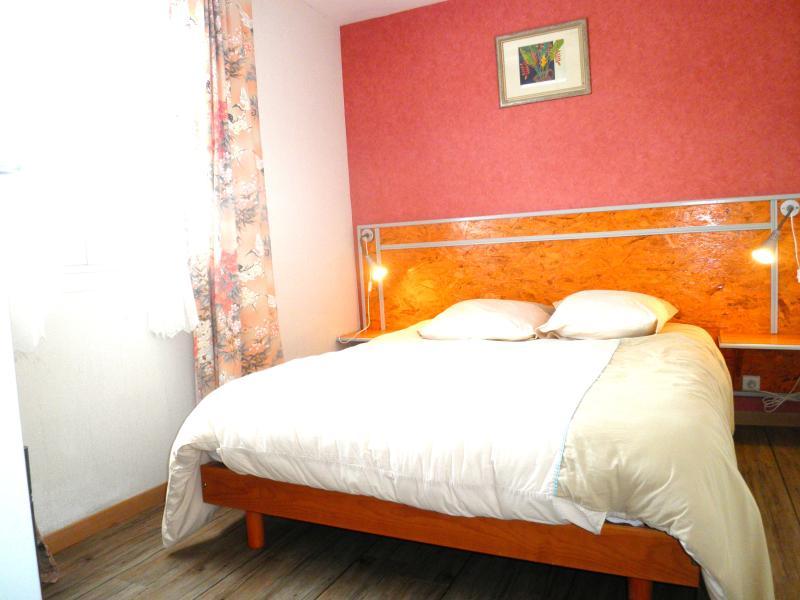 Les salines la chambre avec lit double, lit fait à votre arrivée
