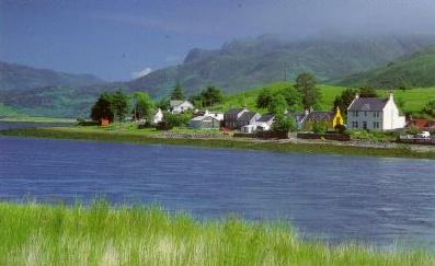 village of Dornie with Tigh Tasgaidh on the right