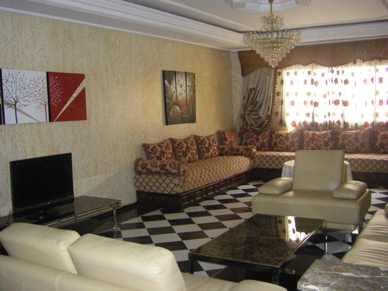 Chic & beautiful tangier flat, holiday rental in Tangier