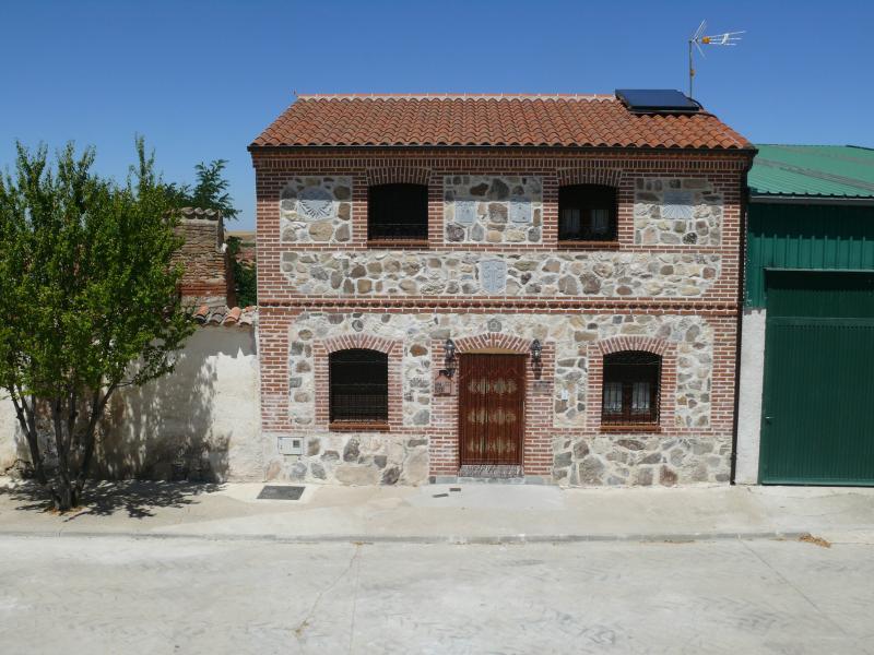 Casa rural Duquesa de la Conquista, holiday rental in Nava de Arevalo