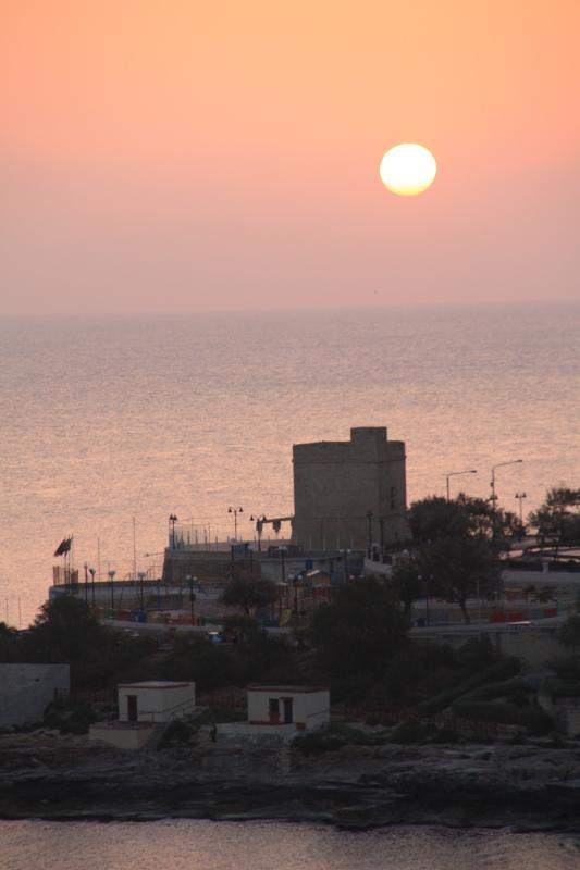 Nascer do sol em Sliema
