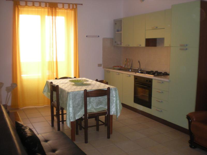Bilocale zona residenziale, holiday rental in Province of Carbonia-Iglesias
