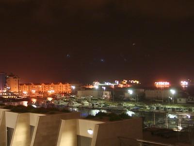 Vue de la nuit au port