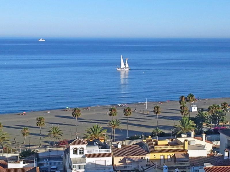 Penthouse in Balcones del Mar, Estepona, holiday rental in Estepona