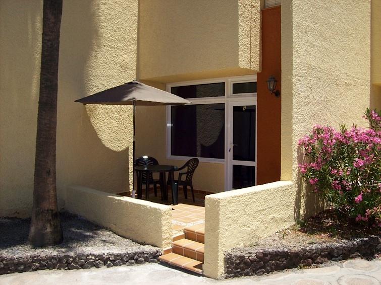 Terrazza: tavolo e sedie