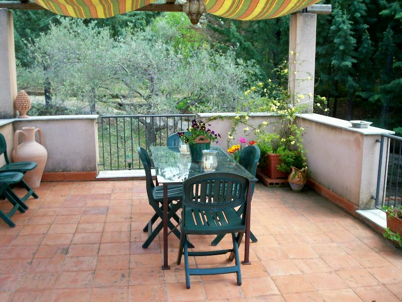 dining area in the terrace