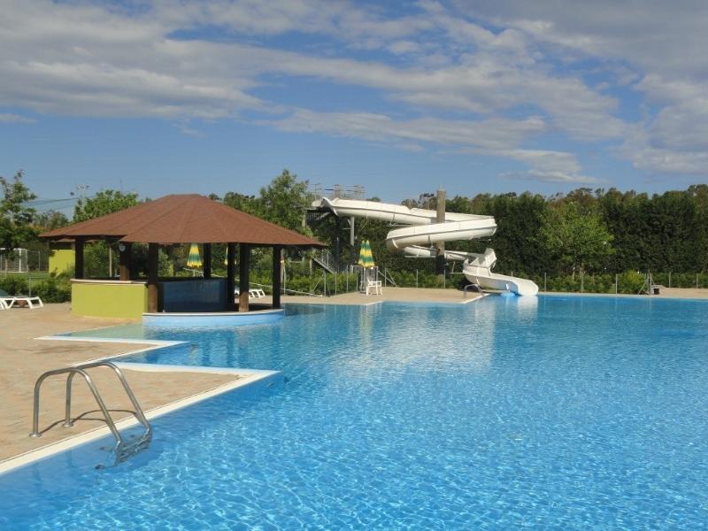 Pool, Pool bar and slide