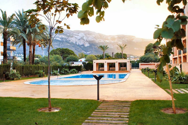 Adults and kids pools with view of mount Mongto (open-air Jacuzzi out of view)