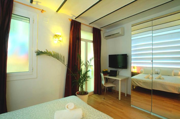 Apartment NOU de la RAMBLA Design Bedroom 1