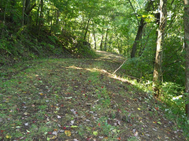 Gras bed wandelen langs het parcours aan Berry knop.