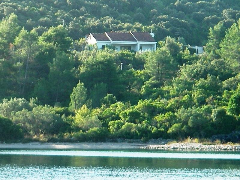 Villa Conte apartment for 4 persons, casa vacanza a Medvinjak