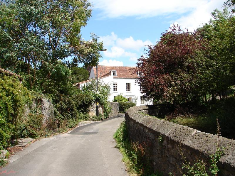 The Old Barn, Trymwood, perfect location close to the city, wonderful garden, location de vacances à Bristol
