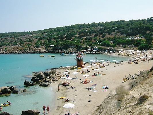 Belle plage à Konnos Bay à Protaras