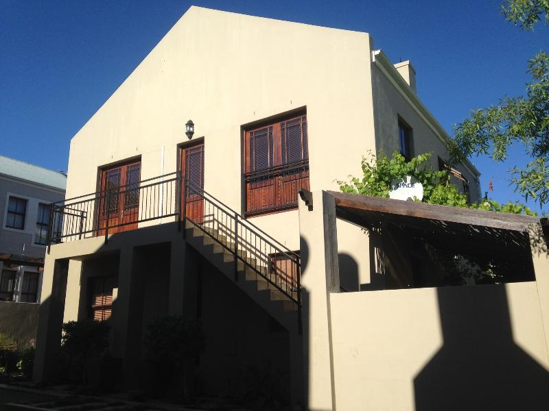 Fynbos Feniks Apartment, holiday rental in Elsenburg