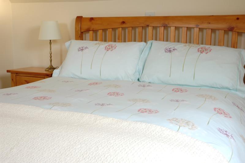 la grange - à l'étage chambre avec lit King-Size