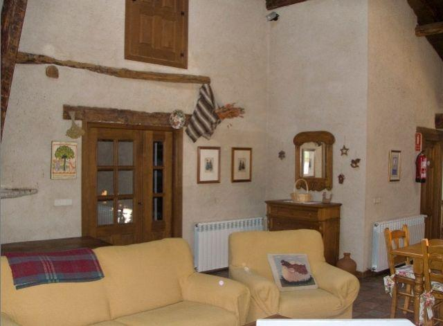 Casa Rural Malangosto, location de vacances à Bernuy de Porreros
