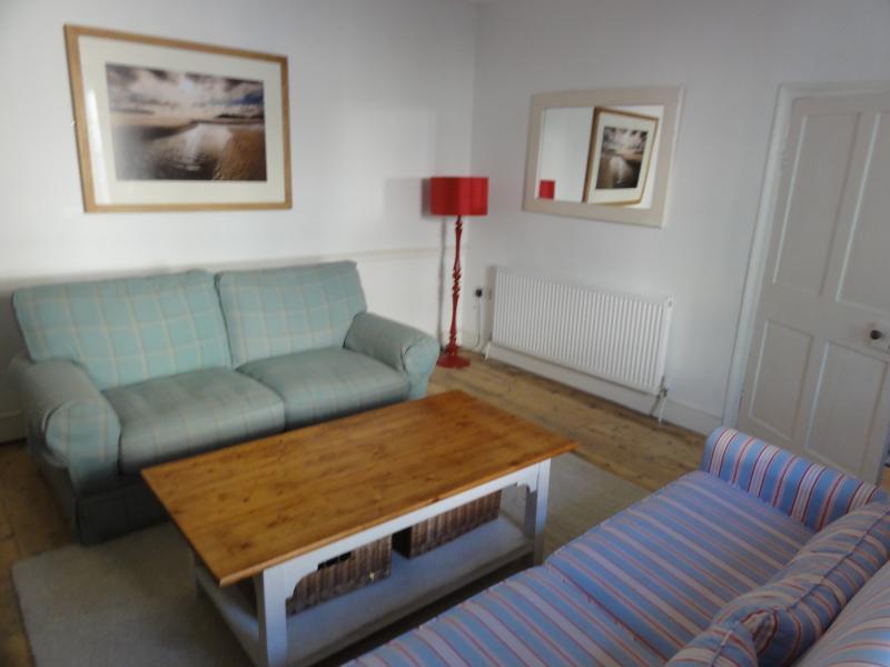 Formal lounge (sofa bed)