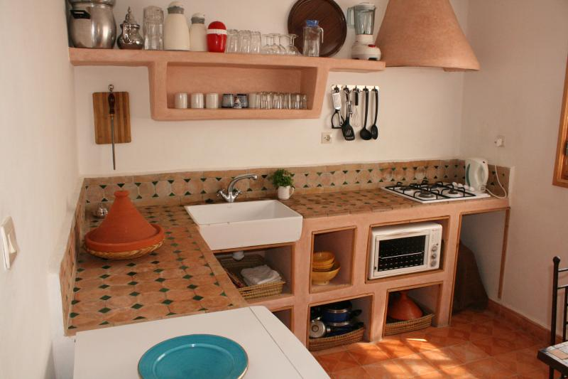 Kitchen/Breakfast Room - simple but well stocked with everything you should need.
