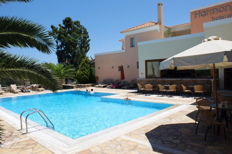 Harmony Hotel Apartments IOLI for 2-3 Persons, location de vacances à Tolofon