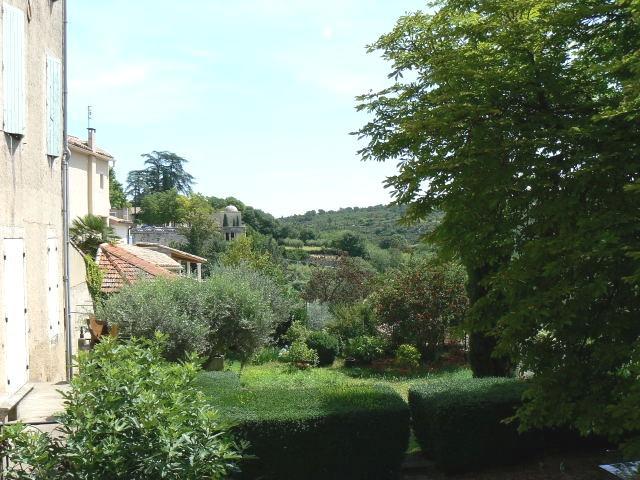 Vista desde la terraza sobre el valle de Uzes
