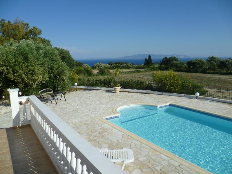 The villa is surrounded by farmland, giving excellent seclusion