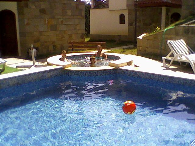 Outdoor pool and Jacuzzi.  Summers are warm and reliable 18-22C