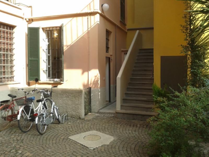 Cosy loft in Milan Navigli, alquiler vacacional en Dovadola