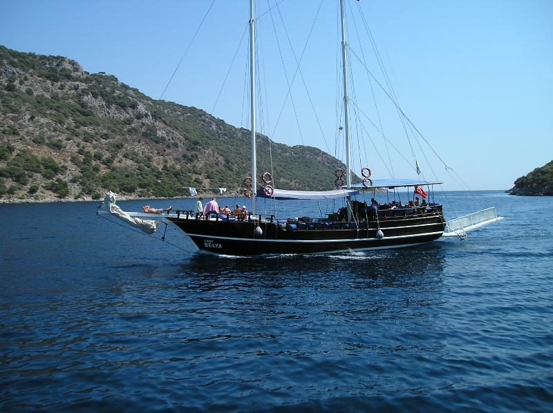 Relax on a Gulet cruise  in crystal clear waters and around the many small  islands